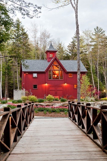 Yankee Barn Carriage House covers July/August issue of Residential Design & Build Magazine