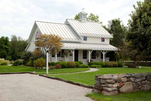 Farmhouse Style Guest Cottage (white roof)