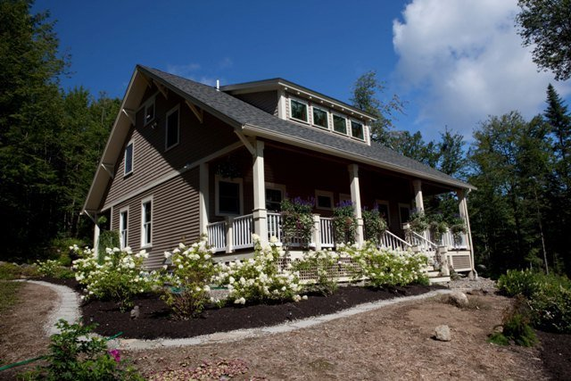 Bungalow Style by Yankee Barn Homes