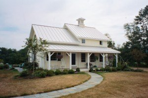 """A really cute """"Not So Big"""" post & beam house"""