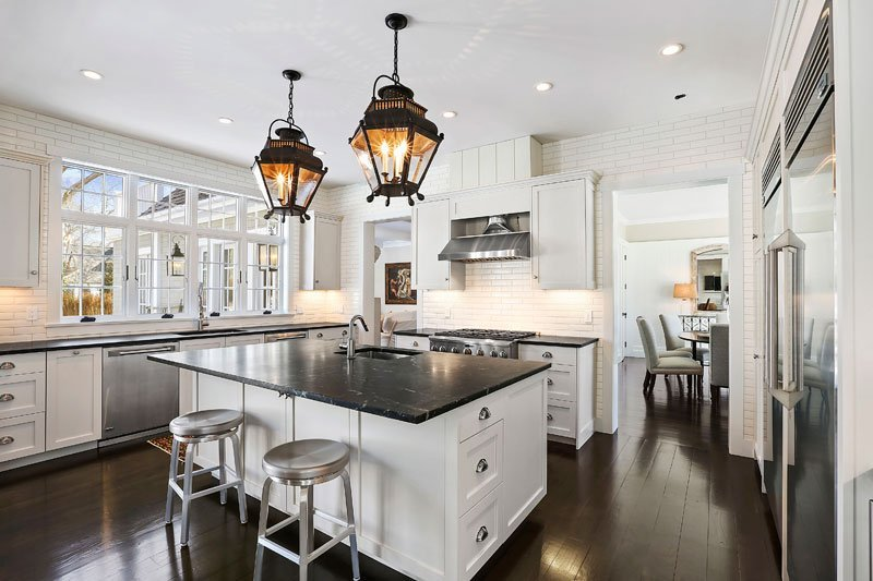 Cove Hollow Kitchen - Hampton Barn Style Cottage Home