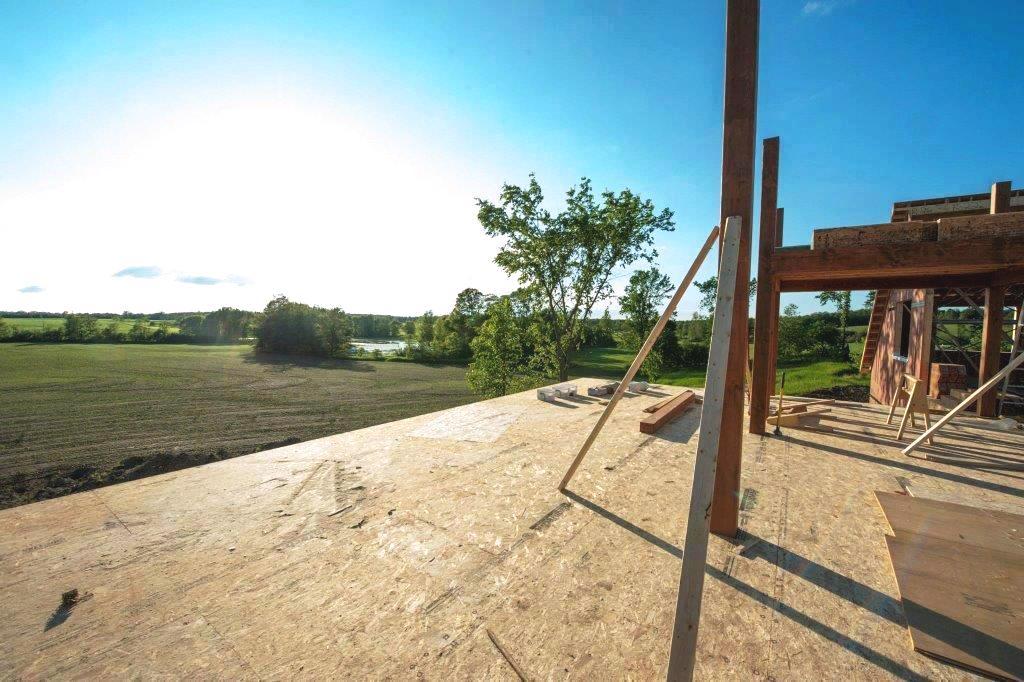 YBH Freedom HIll Farmhouse Goes Up