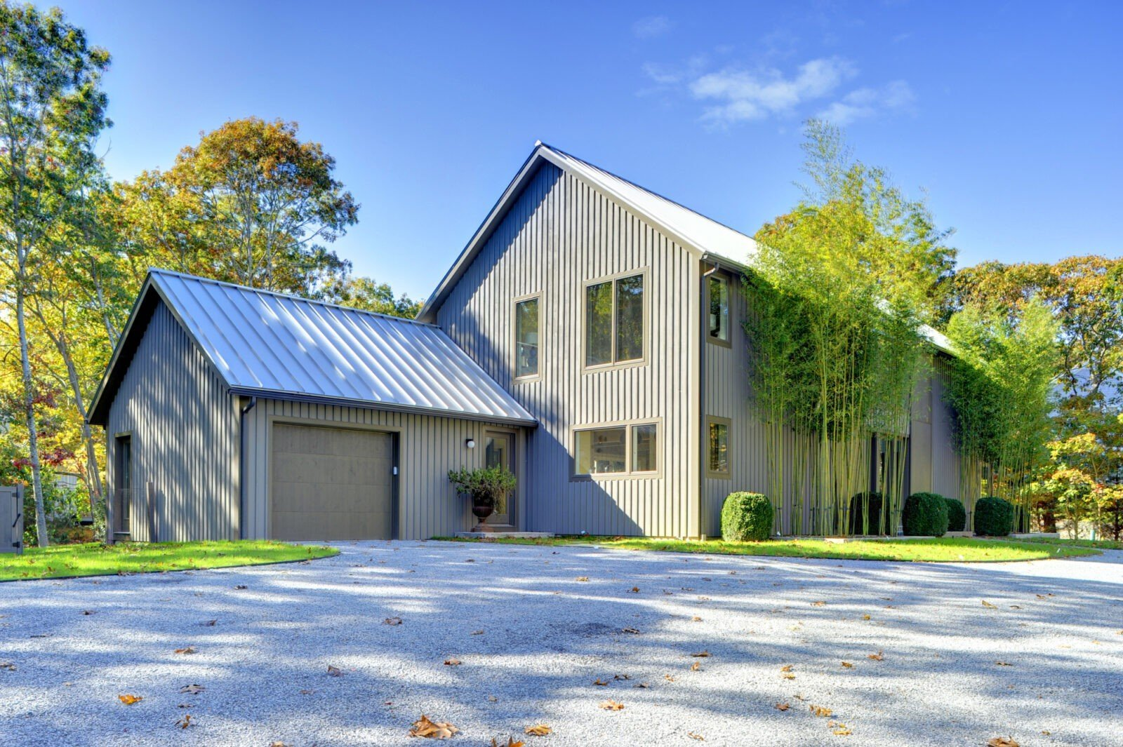 Oyster Shores modern barn home - PHOTOGRAPHY BY CHRIS FOSTER