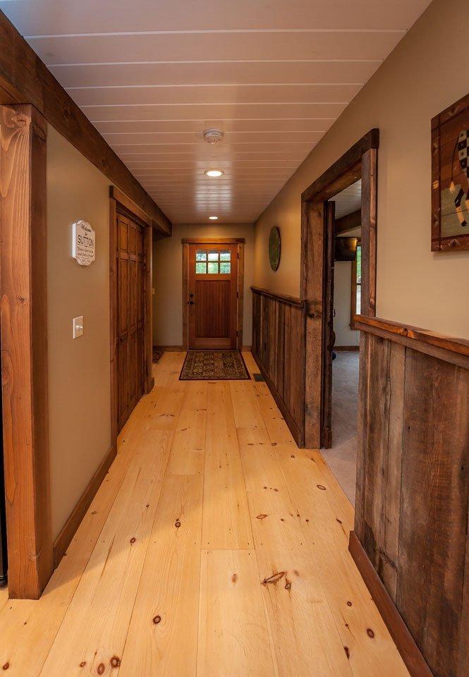 Boulder-Meadows-Yankee-Barn-Home-Hallway