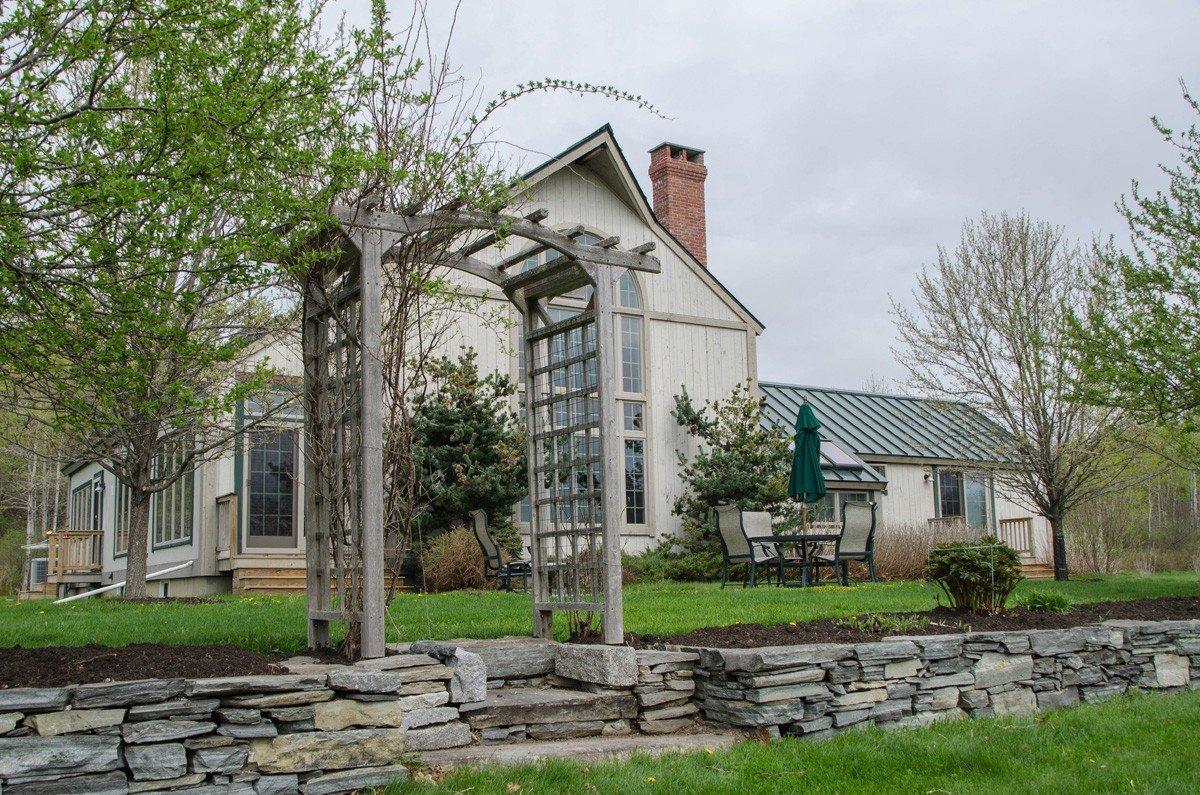 Traditional Yankee Barn Home Design