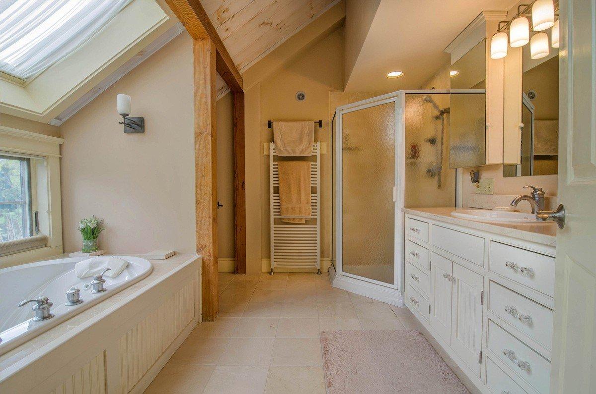Yankee Barn Home Master Bath